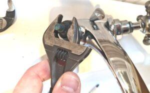 change a tap cartridge